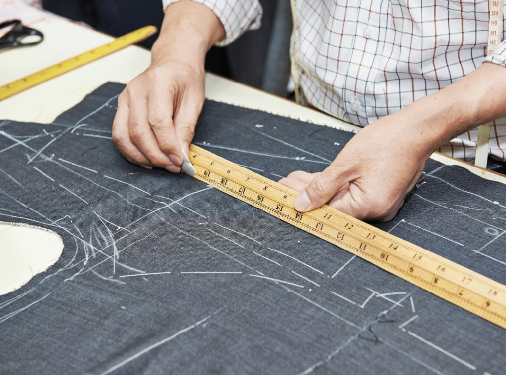 mesure-et-coupe-du-tissu